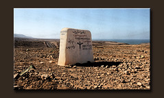 on the road to nowhere (mhobl) Tags: coast desert morocco maroc signpost sidiifni wste kste wegweiser