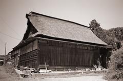 (t_mimizuk) Tags: leica old blackandwhite bw house film monochrome japan tokyo voigtlander hinode