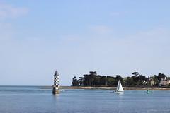 Le phare des Perdrix - L'Ile Tudy (Damien ) Tags: lighthouse france brittany sailing bretagne phare finistre tudy lile perdrix