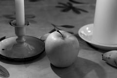 table (fotoleder) Tags: bw monochrome table noiretblanc nb bougies alimentation intrieur nape lumiredouce simpicit