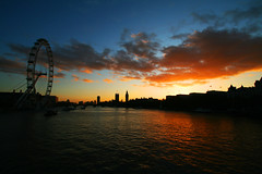 eye sunset (pintofstripe) Tags: sunset london eye 1022 400d