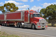 Kenworth T609 (quarterdeck888) Tags: nikon highway flickr transport trucks armitage kenworth haulage quarterdeck newellhighway bdouble t609 armytage worldtruck jerilderietrucks