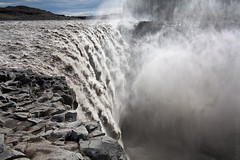 On the Edge of the Abyss - Rte 864 - Iceland (Nonac_eos) Tags: waterfall iceland power deep falling workshop lee edge powerful dettifoss abyss bottomless gndfilter leefilter nonaceos vatnajkullnationalpark