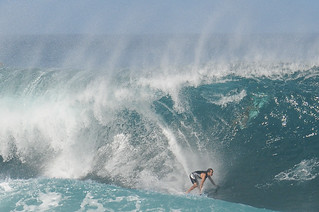 Winter Swell at Pipeline