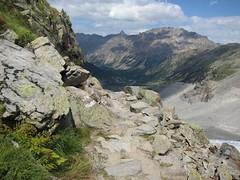rocky trail (Riex) Tags: mountain alps montagne alpes trek landscape schweiz switzerland suisse hiking rocky hike course trail pied svizzera paysage marche chemin weg engadine pontresina morteratsch graubünden grisons graubunden rocheux s95 puntraschigna boval canonpowershots95