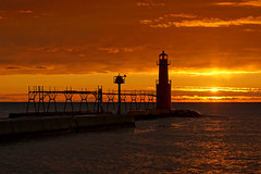 Opening Act (PopsDigital) Tags: lighthouse sunrise lakemichigan wi algoma billpevlor popsdigital sonyslta55v