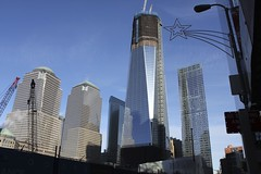 Rebuilding Ground Zero (Simone Lovati) Tags: winter newyork 2011