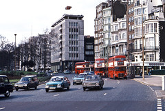 Routemasters in Park Lane, April 1976 (David Rostance) Tags: london car route routemaster w1 parklane 73 36b fordcortina rm1240 240clt