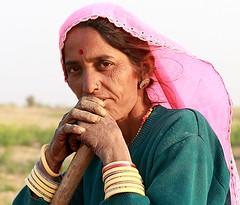india rajasthan (mauriziopeddis) Tags: portrait india ritratto rajasthan udaipur bimba povero contadina