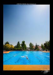Who will win? (Pablosky.) Tags: chile persona cafe bokeh boda piscina linares fotografo estudiantes 50mmf18ii estadioespaol canon450d rebelxsi blinkagain pablomazacastillo