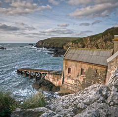 Old Lifeboat House Lizard Point (_ justintheframe_) Tags: panorama nikon cornwall lifeboat southcoast derelict lizardpoint lifeboatstation tonemapped d300s justintheframe
