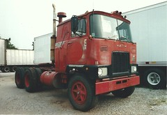 MACK F-700 old number 13 (PAcarhauler) Tags: tractor semi mack coe fmodel