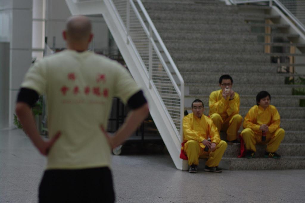 waiting dancers, Chinees nieuwjaar in Den Haag