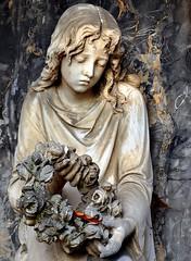 It`s over (SpitMcGee) Tags: friedhof girl germany deutschland tomb mädchen grabmal vorbei floralwreath blumenkranz badsäckingen peterheppner badenwürthenberg cremetery aufriedhof