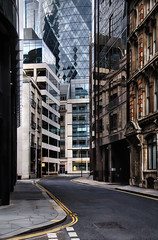 Near The Heart Of City Beat (Dimmilan) Tags: street uk windows england urban reflection building london glass architecture modern slicesoftime galleryoffantasticshots