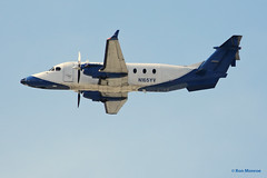 Great Lakes Aviation LTD., Beechcraft 1900D (Ron Monroe) Tags: 1900 lax airlines beechcraft airliners klax n165yv greatlakesaviationltd