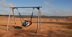 Swing when you are winning (Basse911) Tags: beach strand children spring sand playa swinging vr gunga ranta mariehamn land kevt keinu nabben