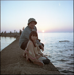 In autumn,we became family (Kannnnaaa) Tags: hasselblad 500c 160nc selfdevelopment naniwacolorkits