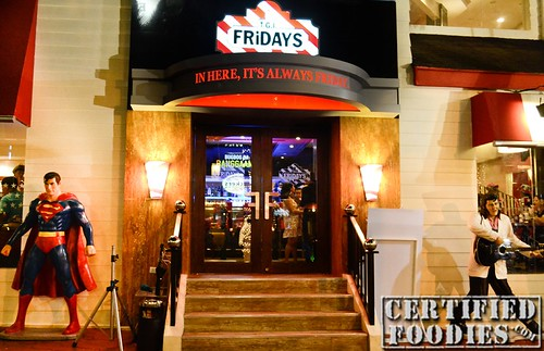 T.G.I. Friday's Facade - CertifiedFoodies.com