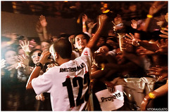 Projota (VITORAUGUSTO.) Tags: show light brazil music luz paraná rock brasil canon cores underground banda concert live modelo bands curitiba musica som urbana shows fotografia bandas photograpy externa edição vitoraugusto