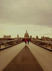 Millenium Bridge (applepictures reached 33,000 views Thank You) Tags: bridge london stpauls milleniumbridge bestcapturesaoi mygearandme mygearandmepremium mygearandmebronze meandmygearpremium meandmygearbronze