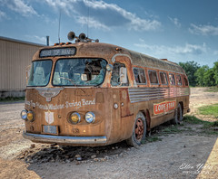 Lone Star Bus at Broken Spoke (Ellen Yeates) Tags: old bus broken austin star ellen texas hand top spoke band swing western lone vehicle lamar hdr yeates
