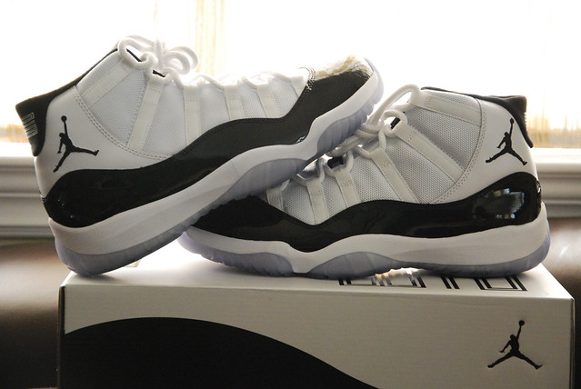 Air Jordan 11 (XI) Original (OG) – Concords (White / Black – Dark Concord)