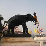 Wat Arun - Thai Elephant in front of Rama II monument thumbnail