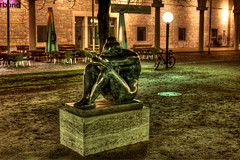 Head in Hands (Ramiro Marquez) Tags: city woman statue germany naked nude deutschland europe stuttgart center schlossplatz hdr newpalace neueschloss