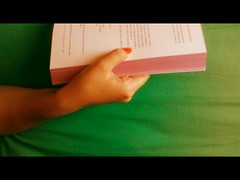{3/52} weeks - Smelling books (Ingrid  Ferreira) Tags: books ameliepoulain 52weeksproject