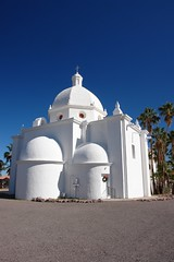 Ajo (Echo_29) Tags: arizona architecture historic palmtrees catholicchurch townsquare ajo coppermining