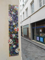 Paris_Avril 2016 (6) (Mademoiselle Berthelot - BricoLLeuse) Tags: streetart paris pasteup collage paint passages bubbles rue bastille rubberstamps oldmagazines urbain
