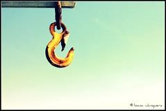 Hooky Hook! (Janiscula) Tags: ocean uk inglaterra sea england orange thames pier muelle mar unitedkingdom estuary hook naranja essex southend picnik tmesis reinounido southendonsea gancho southendpier estuario flickraward