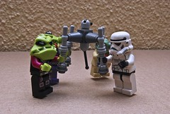 fighting over toy 53/365/2011 (Siobhan Rohlwink-Coutts) Tags: christmas storm trooper star spider advent yoda lego mini aliens wars minifig countdown droid calander homing minifigures