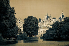 The Enchanted Castle - EXPLORE Dec 10, 2011 #170 (red_lion) Tags: uk greatbritain inglaterra england london unitedkingdom londres gb guards horseguards reinounido stjamess grabretanha