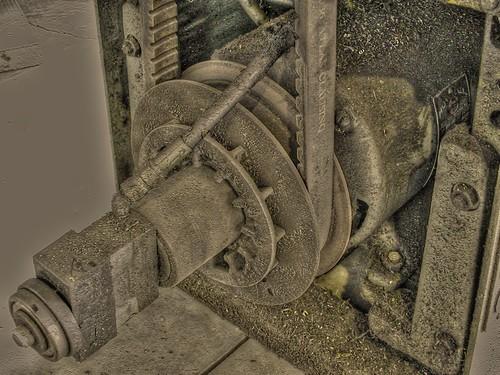 thread metal shop mi turn michigan grunge engine machine dirt kalamazoo motor 5900 pulley tool hdr turning threading crud vfd metalworking bearing lathe machining sheave sheaves clausing 5912 pseudohdr 480v vbelt threephase 440v variablespeed 460v 59xx