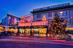 Christmas at Pike Place Market (Fresnatic) Tags: seattle christmas winter decorations lights washington farmersmarket market wintersolstice pacificnorthwest pikeplacemarket bluehour hdr downtownseattle canonrebelxsi fresnatic touristattractionsofseattle