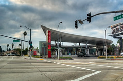 DMT_20111211095603 (Felicia Foto) Tags: california sky usa streets building architecture geotagged la losangeles nikon pavement gasstation intersection crosswalk hdr highdynamicrange allrightsreserved labrea spaceage photomatix slauson 1xp hdrsingleraw d5000 unitedoil denisetschida