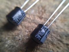 Capacitores de 10uf (arduinolabs) Tags: capacitor arduino standalone