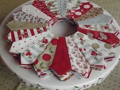Plates2 (eamylove) Tags: christmas winter circle quilt moda stack fabric redandgreen bunnyhill dresdenplate minickandsimpson scrappyplateclub