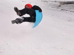 P1191235 (riparia) Tags: seattle sledding sleds ravenna seattlesnow january2012
