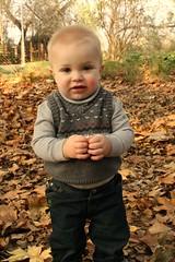 IMG_9328 (monnie09yo) Tags: family autumn leaves kids running ssu kee