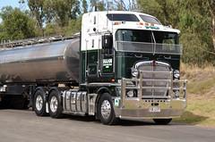 K200 (quarterdeck888) Tags: tankers hahn kenworth k200 worldtruck