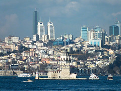 Istanbul Bosphorus view (CyberMacs) Tags: city sea lighthouse water turkey other places istanbul metropolis deniz bosphorus leuchtturm constantinople maidenstower bosporus kzkulesi denizfeneri leanderstower mdchenturm leanderturm vilgttorony towerofleandros lnytorony szztornya valogatni
