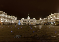 Trieste, night and day (Fil.ippo) Tags: night square italia sigma piazza 1020 notte filippo trieste unit abigfave d5000 flickrdiamond