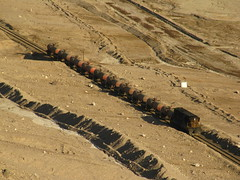 Ferronor, a los pies de Potrerillos. (DeutzHumslet) Tags: chile train canon gm valle atacama desierto ácido 412 sx20 emd gr12 diegodealmagro poterillos ferronor ringexcellence