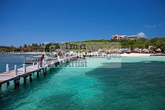 Beach @ Isla Mujeres (DolliaSH) Tags: trip travel sea vacation white holiday seascape color tourism beach water colors mxico strand canon mexico island photography mar photo sand sailing foto tour place maya photos playadelcarmen playa visit location tourist yucatn journey catamaran tropical sail mexique destination cancun caribbean traveling visiting rivieramaya plage isla spiaggia touring islamujeres eiland caribe quintanaroo ranta 1755 turquoisewaters 50d culturamaya canonefs1755mmf28isusm canoneos50d bwpolarizerfilter dollia sheombar plyazh dolliash