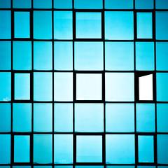 Non sens (fidgi) Tags: blue abstract architecture canon square bleu carré boulognebillancourt abstrait canonblue canoneos7d