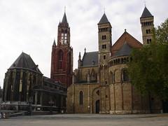 Ville de Maastricht (Province du Limbourg, Pays-Bas) (bobroy20) Tags: dutch maastricht glise paysbas ville hollande limbourg