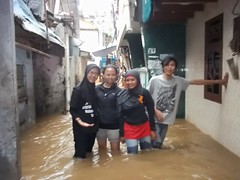 "Bakti Sosial Mapala Sakuntala Posko Banjir • <a style=""font-size:0.8em;"" href=""http://www.flickr.com/photos/24767572@N00/27131172366/"" target=""_blank"">View on Flickr</a>"